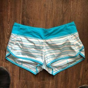 """Lululemon Speed Shorts - 3"""" - size 6"""